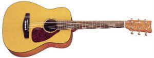 Yamaha JR1 34 Scale Guitar with Gig Bag standard